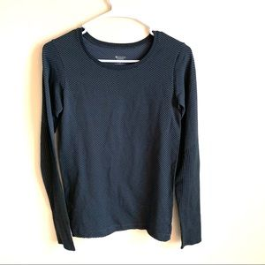 Athleta | textured long sleeve size small